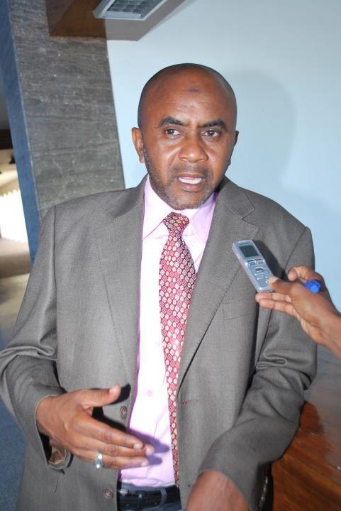 Le député Abdoulfatah said accuse le président ikililou !!